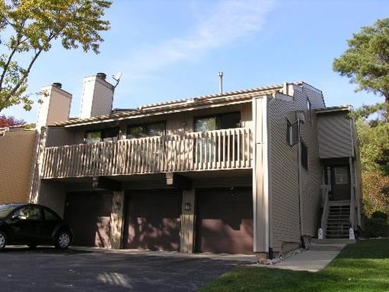 24 Mineola Rd # 24, Fox Lake, IL 60020