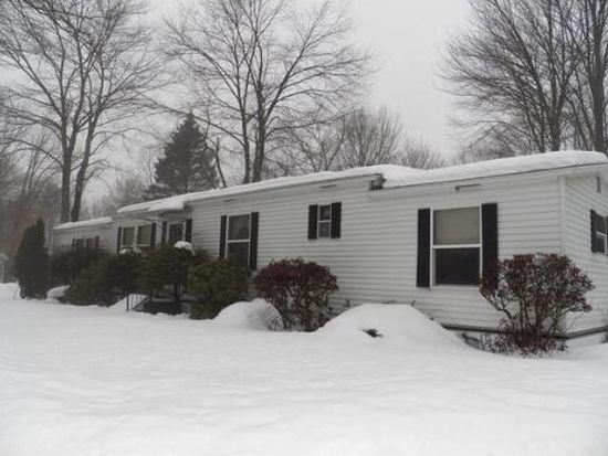10 2nd St, Brookfield, MA 01506