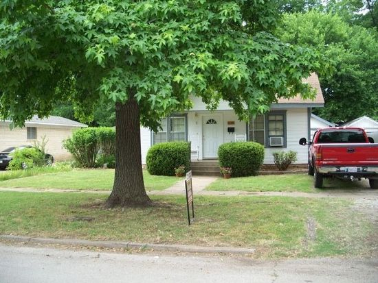 819 N Chickasaw St, Pauls Valley, OK 73075