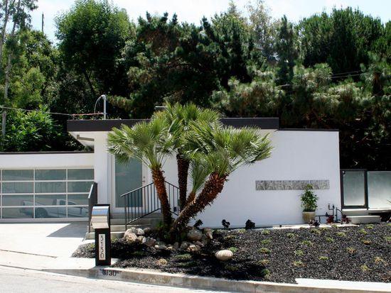 3130 N Beachwood Dr, Los Angeles, CA 90068