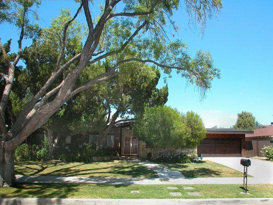 5711 Manton Ave, Woodland Hills, CA 91367