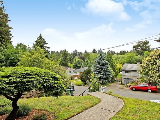 9515 45th Ave NE, Seattle, WA 98115