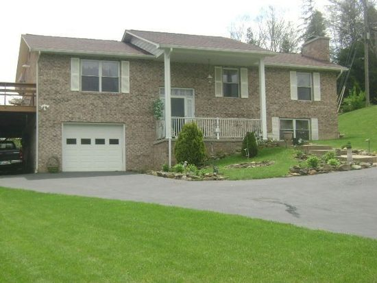 105 Creekview Dr, Beckley, WV 25801