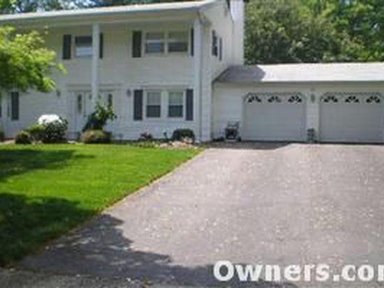 15 Lake Louise Rd, Morganville, NJ 07751