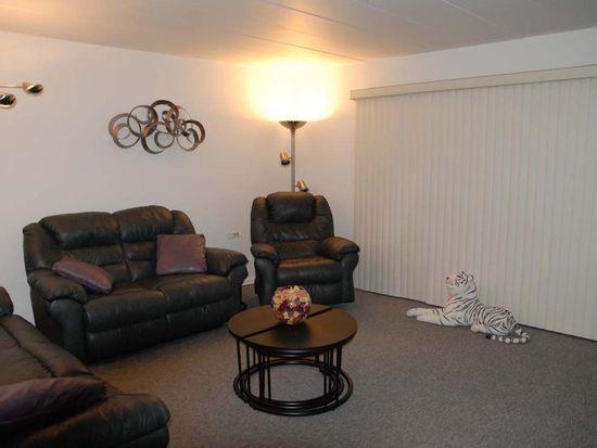 5540 Walnut Ave APT 3A, Downers Grove, IL 60515