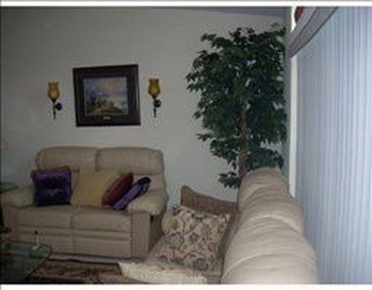 10211 Minas Dr, Dade City, FL 33525