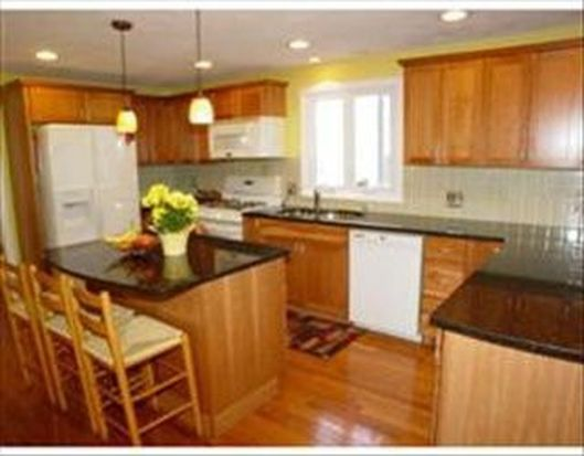 21 Fuller Meadow Rd, North Andover, MA 01845
