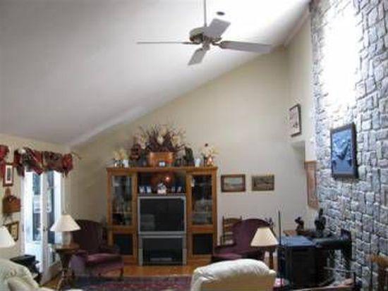 135 Woodland Rd, Hampton, NH 03842