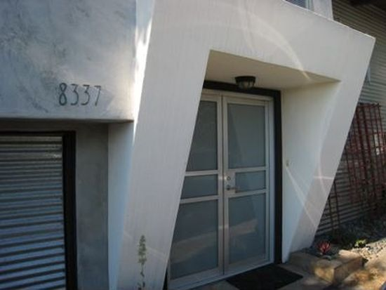 8337 Grand View Dr, Los Angeles, CA 90046
