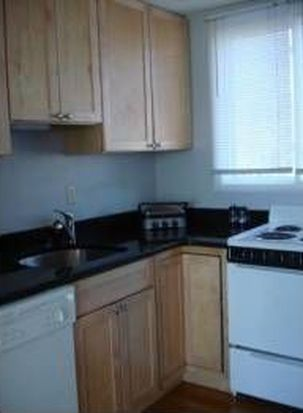 4 Ferry St, Chelsea, MA 02150