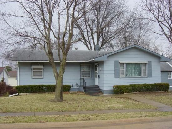 713 N 13th St, Centerville, IA 52544