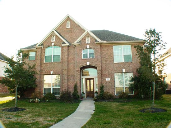 2510 Sunrise Harbor Ln, Pearland, TX 77584