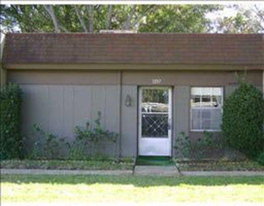 1397 Mission Cir, Clearwater, FL 33759