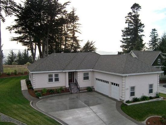 4259 Forest Hills Dr, Fortuna, CA 95540
