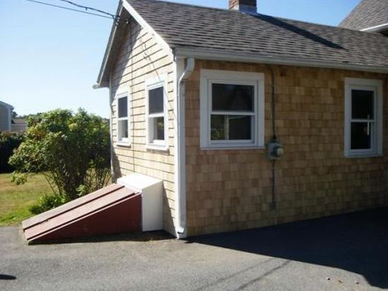 713 Russells Mills Rd, Dartmouth, MA 02748