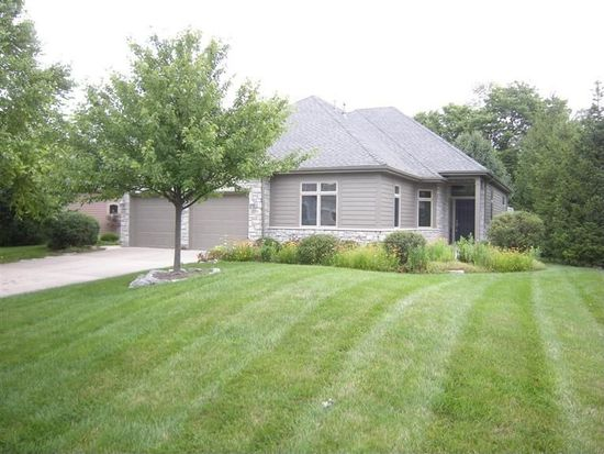 1175 Club View Dr, Centerville, OH 45458
