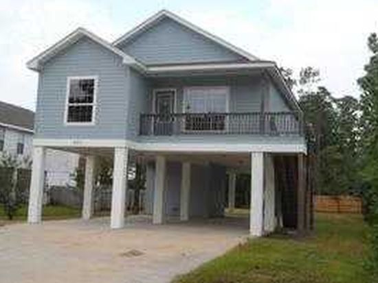 207 Pinewood Dr, Pass Christian, MS 39571