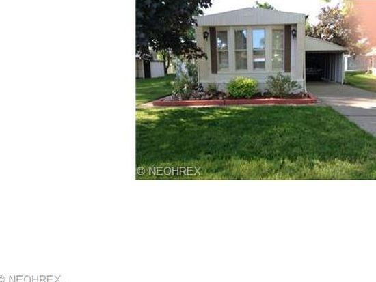 27 Parkway Dr, Olmsted Twp, OH 44138