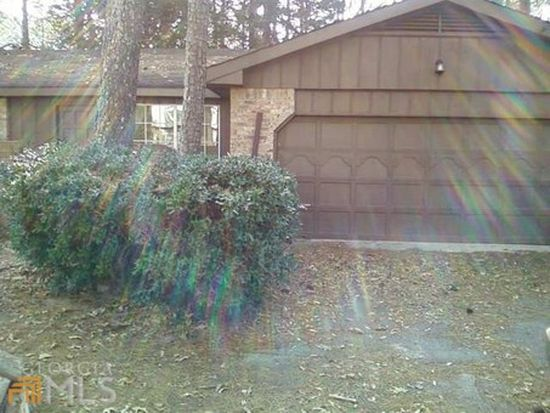 5801 Oakleaf Way, Stone Mountain, GA 30087