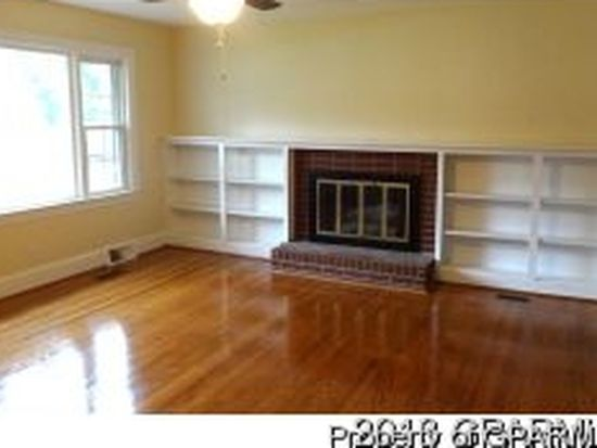 2410 Umstead Ave, Greenville, NC 27858