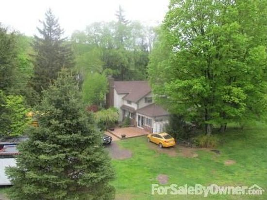 399 Old River Rd, Gouldsboro, PA 18424