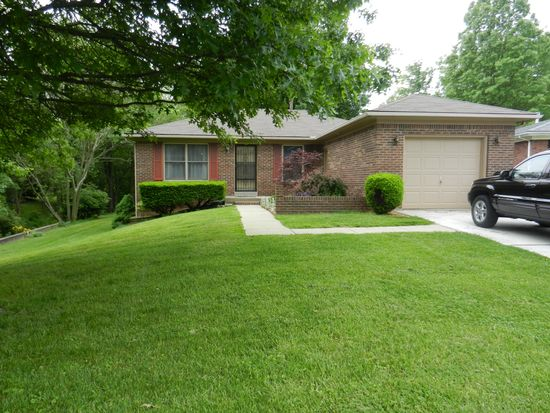 109 Wellington Dr, New Albany, IN 47150