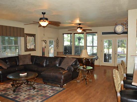 112 Marina View Ct, Weatherford, TX 76087