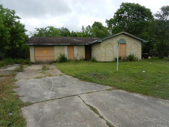 12803 Segrest Dr, Houston, TX 77047