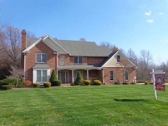 1175 Kelsey Dr, Hermitage, PA 16148
