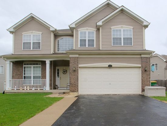 1702 Normandy Woods Ct, Grayslake, IL 60030