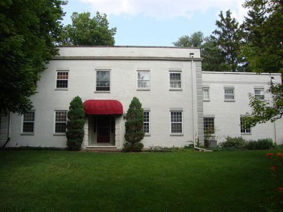 686 Far Hills Ave, Oakwood, OH 45419