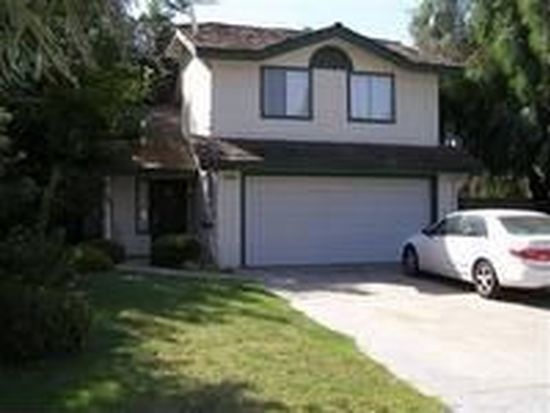 9824 N Canyon Creek Ln, Fresno, CA 93730