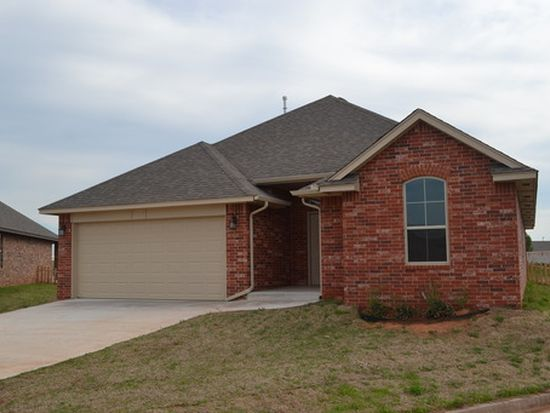 820 Lakeview Dr, Moore, OK 73160