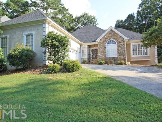 605 Kings Grant Walk, Roswell, GA 30075