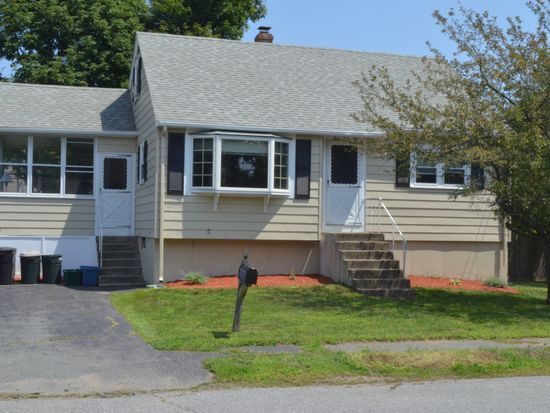 4 Willis Rd, Peabody, MA 01960