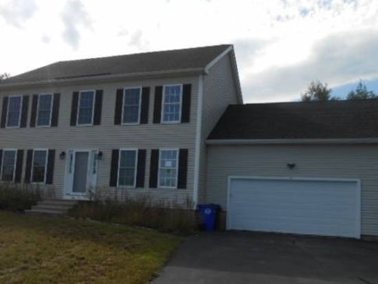 17 Parsons Dr, Goffstown, NH 03045