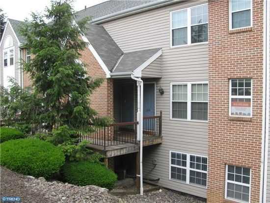 608 Christopher Dr, Wyomissing, PA 19610