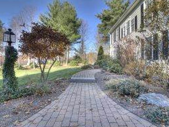 12 Chelsea Dr, Bow, NH 03304