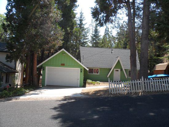 31411 Oakleaf Dr, Running Springs, CA 92382