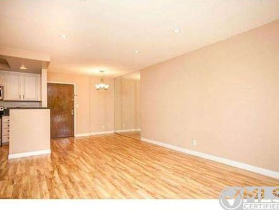22100 Burbank Blvd UNIT 253F, Woodland Hills, CA 91367