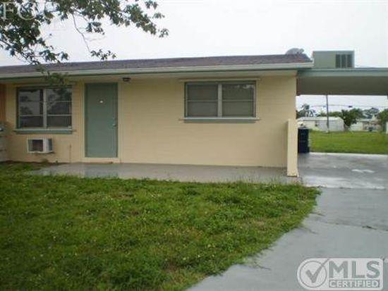 1097 Vineyard Pl, Lehigh Acres, FL 33936