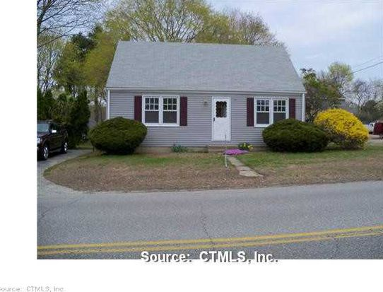 51 Black Point Rd, Niantic, CT 06357