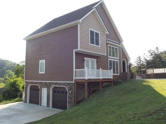105 Lawson Ln, Cedar Bluff, VA 24609