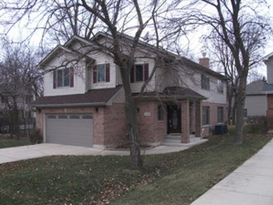 21W316 Hobson Rd, Downers Grove, IL 60516