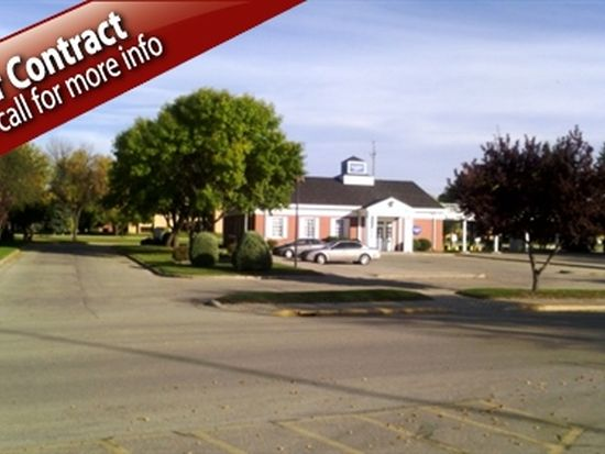 2712 S Columbia Rd, Grand Forks, ND 58201