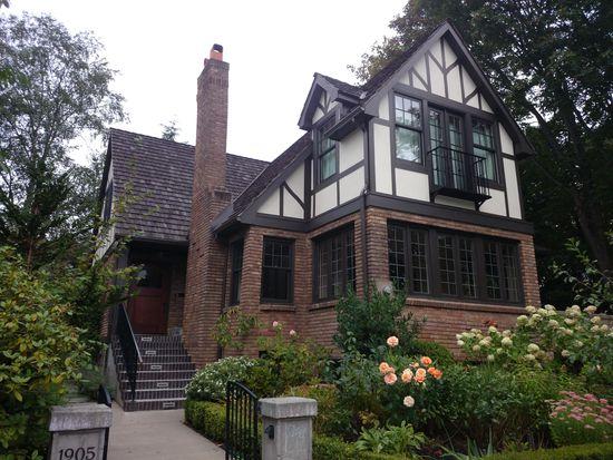 1905 33rd Ave S, Seattle, WA 98144