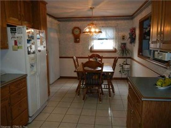 270 State Ave, Dayville, CT 06241
