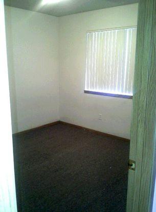 9614 University Ave APT 403P, Cedar Falls, IA 50613