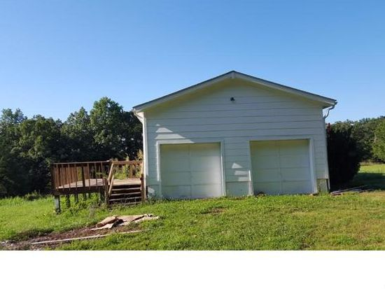 300 Linda Dr, Lonedell, MO 63060