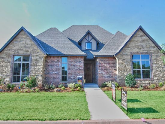 1119 Villas Creek Dr, Edmond, OK 73003